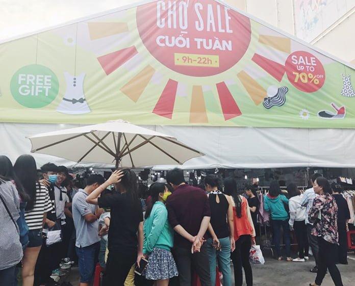 Tưng bừng chợ Sale Phan Thiết