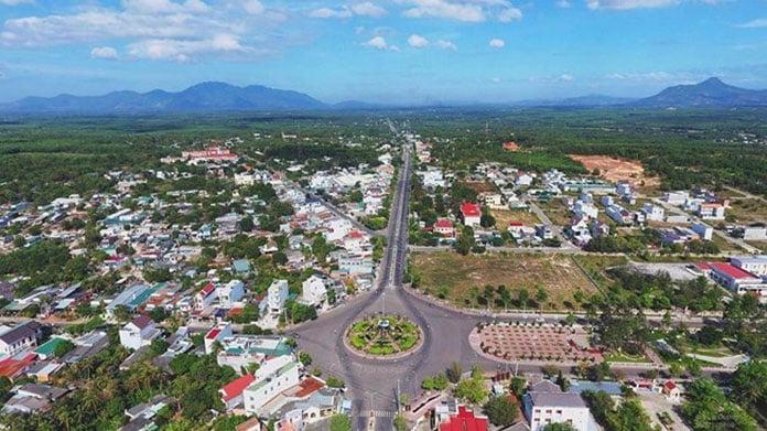 Thị xã Lagi chụp từ trên cao