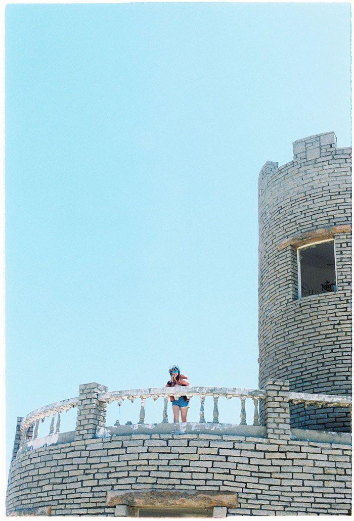 Lâu đài hoang ở Kê Gà
