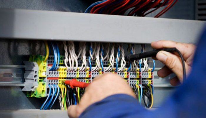 Rạng Đông tuyển thợ điện công nghiệp