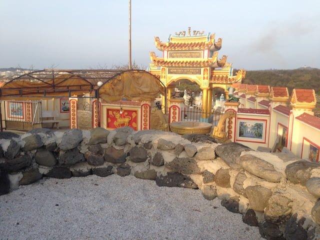 Đền thờ Thầy Nại ở Phú Quý