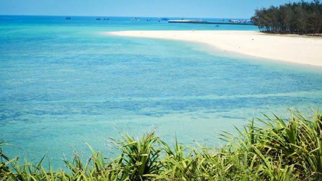 Vịnh Triều Dương ở đảo Phú Quý