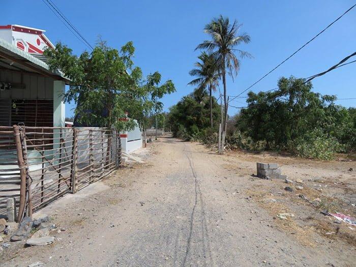 Bán đất Hòa Minh, Chí Công