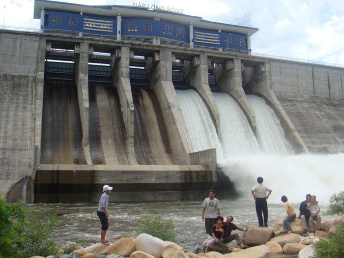 Đập Lòng Sông ở Tuy Phong