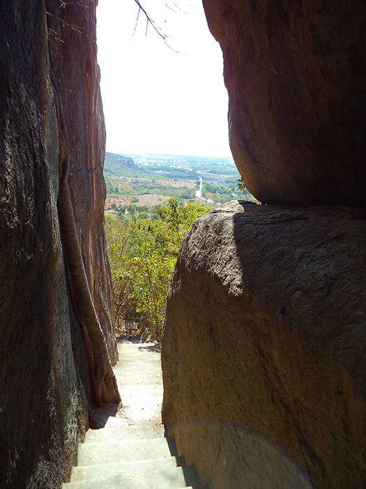 Chùa đá mẹp ở Tuy Phong