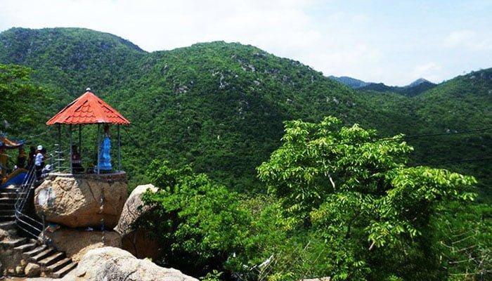 Chùa Linh Sợn Tự ở Tuy Phong