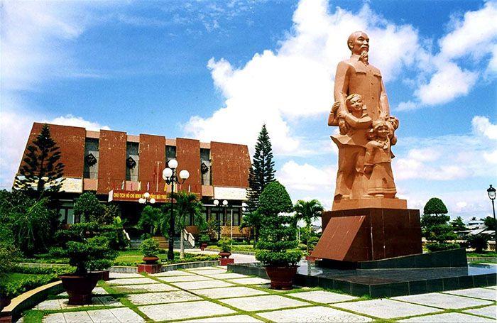Trường Dục Thanh và Bảo tàng Hồ Chí Minh chí nhánh Bình Thuận