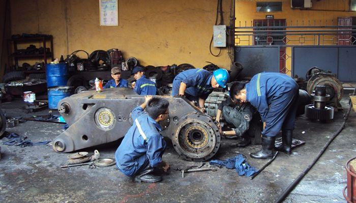 Granite Rạng Đông tuyển thợ sửa chữa máy ô tô