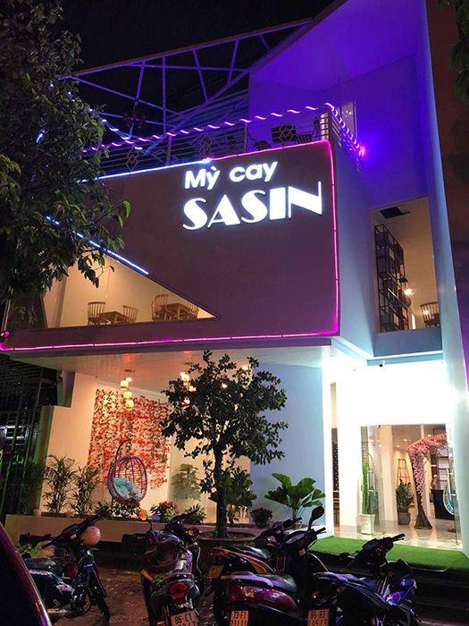 Mì cay Sasin miễn phí trà sữa