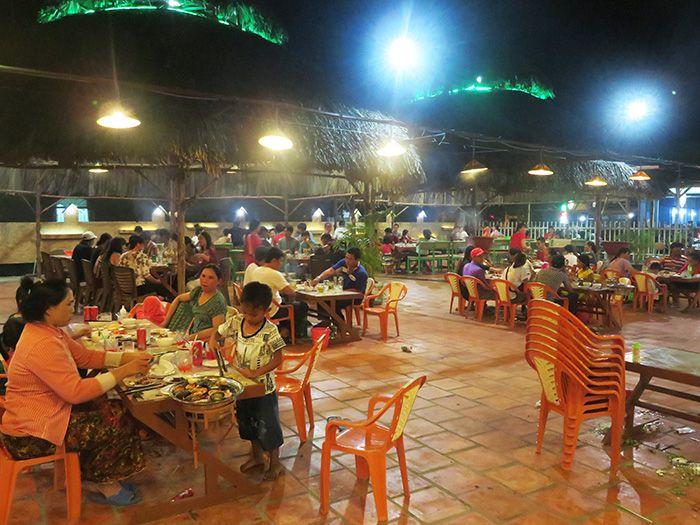 Buffet Lộc Ký Cầu Nam ở Phan Rí