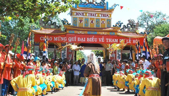 Lễ hội Dinh Thầy Thím