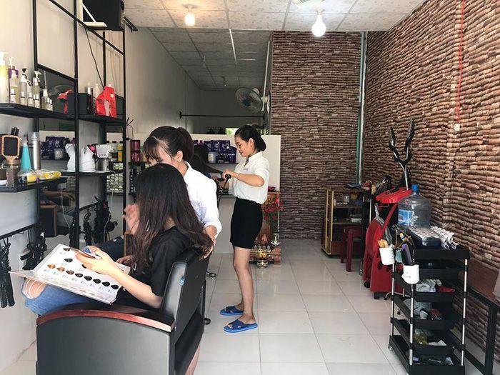 Luxury Salon ở Liên Hương