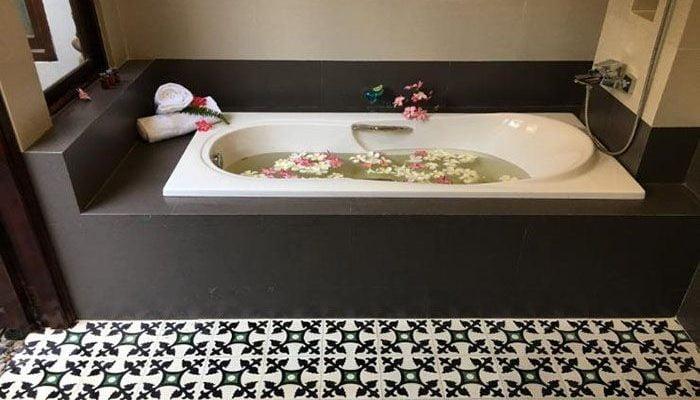 Phòng tắm của Ravenala