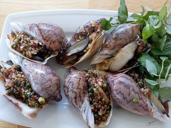 Phan Rí Sài Gòn Quán chuyên đặc sản dê tươi, hải sản