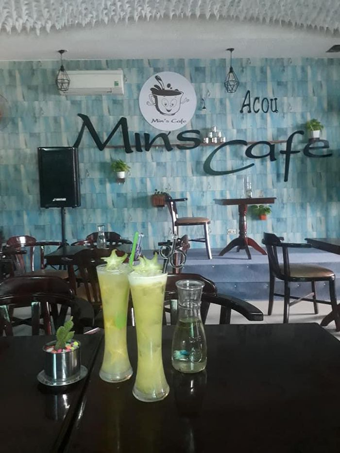 mins cafe