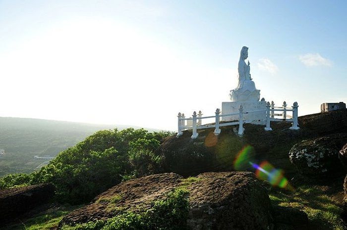 Tượng Phật Quan Âm ở Phú Quý