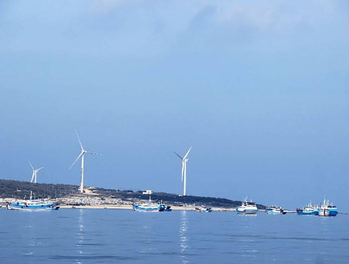 Quạt gió nhìn từ góc biển