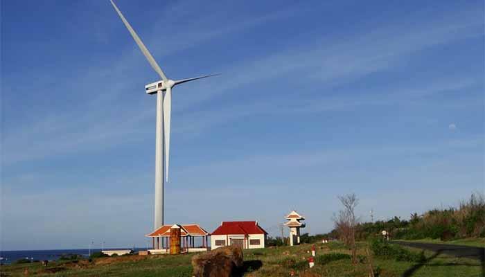 Quạt gió khổng lồ ở Phú Quý