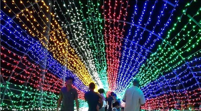 đường hầm ánh sáng cầu vồng