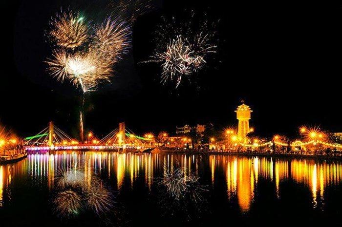 bắn pháo hoa ở Bình Thuận