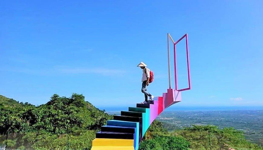 bình thuận có gì chơi: Cầu thang vô cực