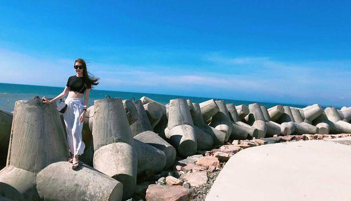 Bãi đá Ông Địa