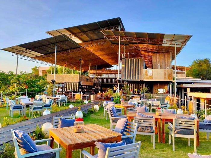 Thiết kế tinh tế của khu cafe