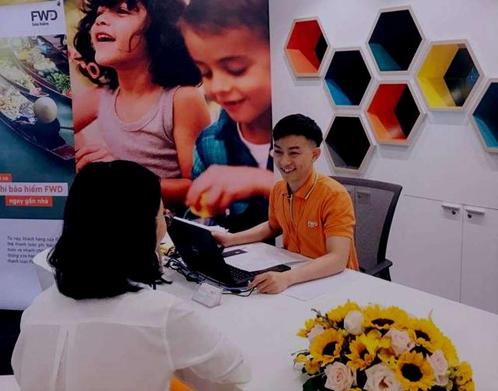 FWD Tuy Phong tiếp khách hàng