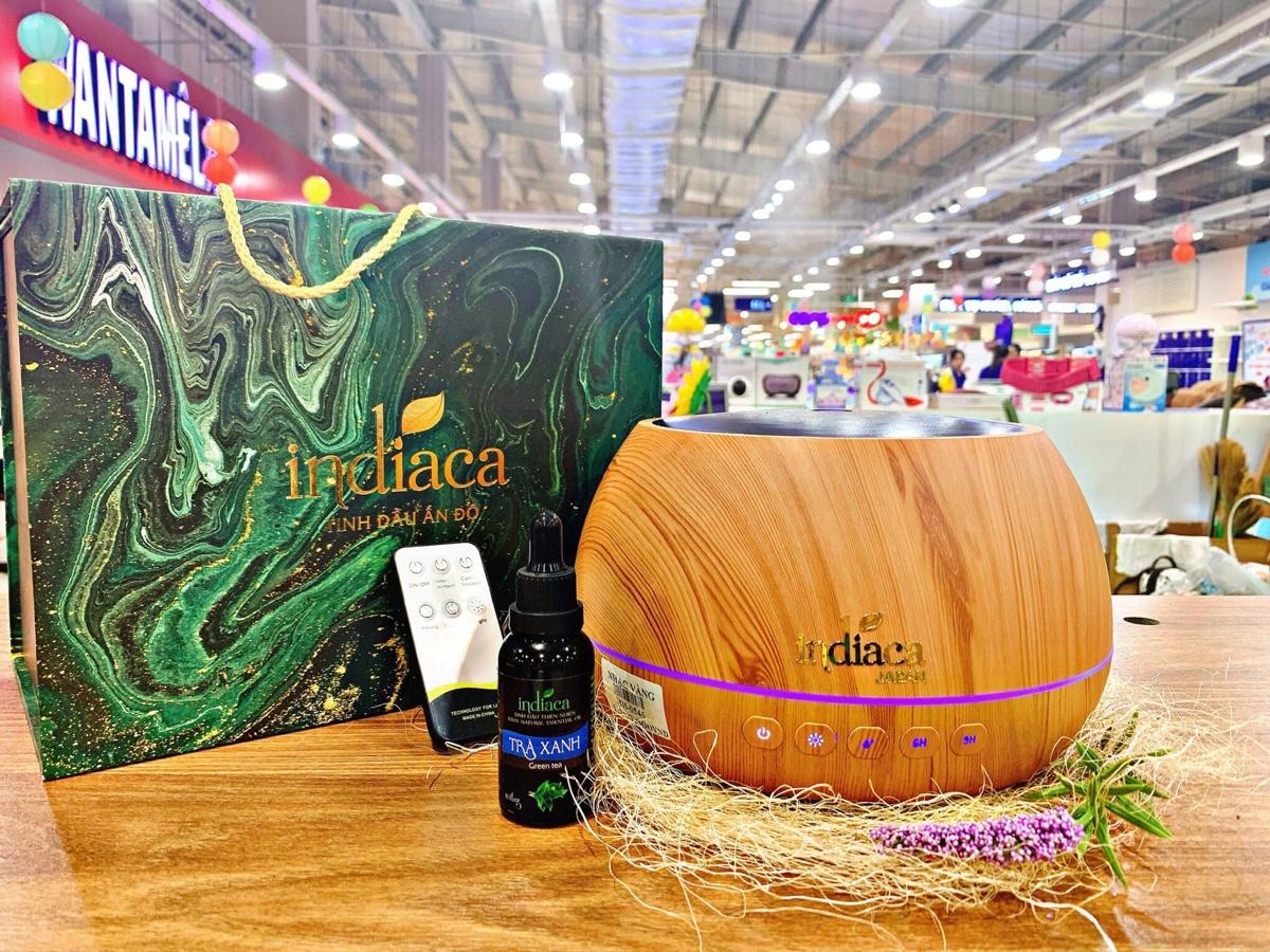 Sản phẩm tinh dầu trưng bày tại Indiaca Co.opmart Phan Rí Cửa