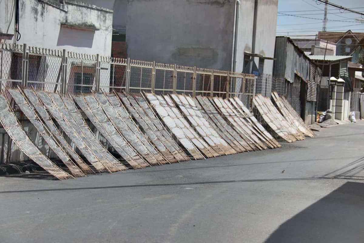 Bánh tráng Chợ Lầu