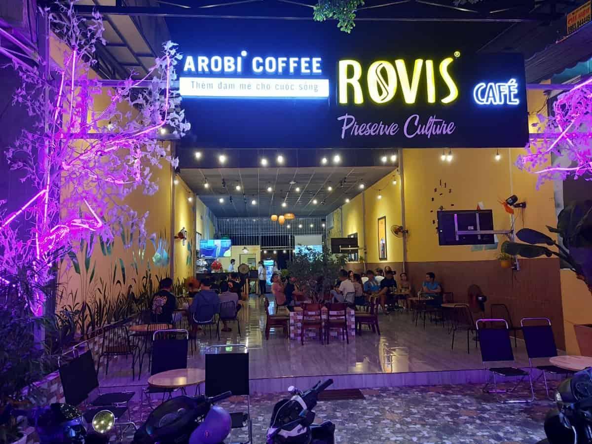 không gian buổi tối của Rovis 71 Thống Nhất