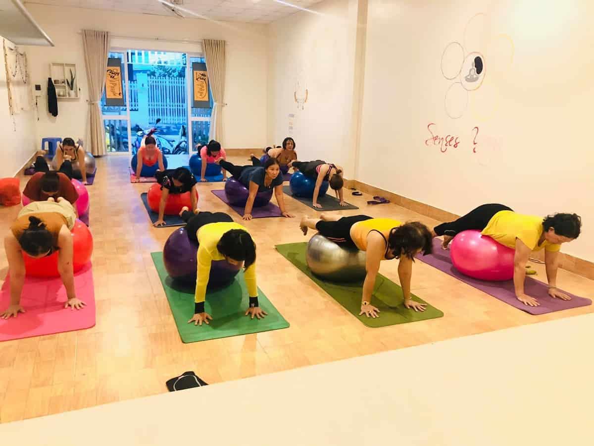 Lớp học hằng ngày của Senses Yoga