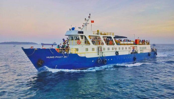 04 tàu cao tốc đi đảo Phú Quý và bí quyết tránh say sóng