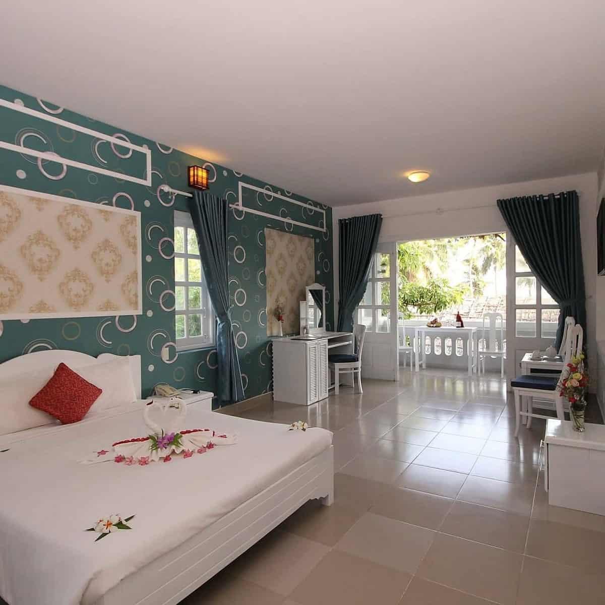Phòng ngủ tại Little Paris Resort & Spa