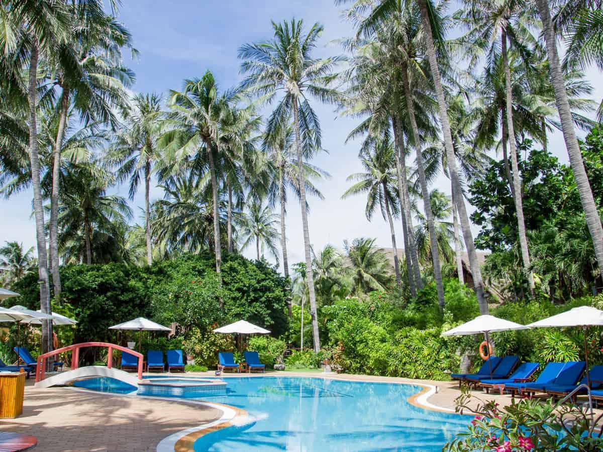 Khu hồ bơi tại resort