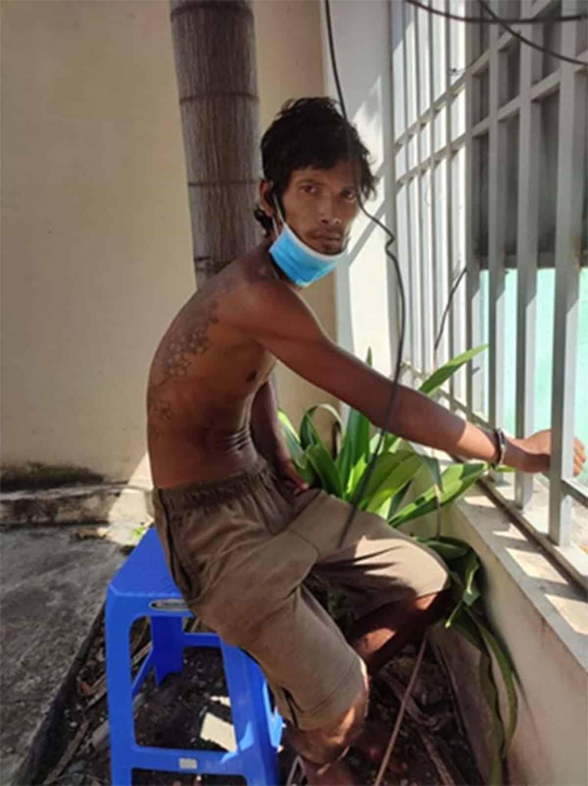Trần Văn Bảo bị bắt giữ - Ảnh: Trần Đình/Báo Bình Thuận