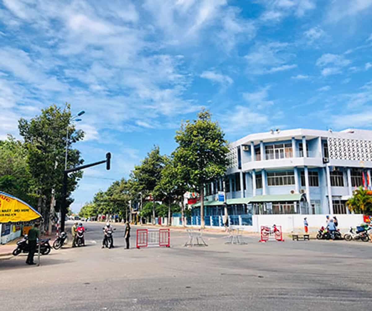 Chốt kiểm soát dịch Covid-19 tại TP. Phan Thiết - Ảnh: Thu Hà/Báo Bình Thuận